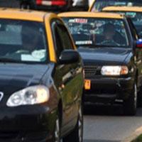 Postergan para agosto el pago de permisos de circulación de taxis, transporte escolar y buses.