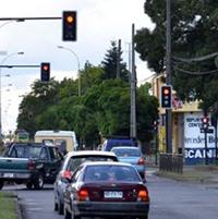 85% de los semáforos vandalizados en la RM están nuevamente operativos.