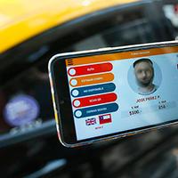 Presentan plan de digitalización para cobros de tarifa en taxis